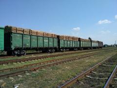 З Луганщини масово вивозять ліс вагонами та вантажівками: поліція закриває очі