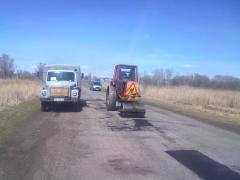 На Луганщині ведуться роботи з масового аварійного ямкового ремонту