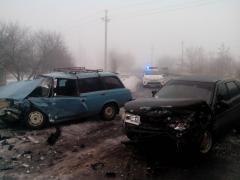 В Лисичанске столкнулись две легковушки. 4 человека пострадали