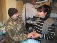 На Луганщине военные медики лечат жителей прифронтового Крымского